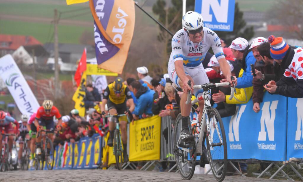 KOM TIL KORT: Alexander Kristoff mistet følge på Oude Kwaremont og kom aldri tilbake. I Flandern håper han å kjempe om seier. FOTO: Tim de Waele (TDWSport.com)