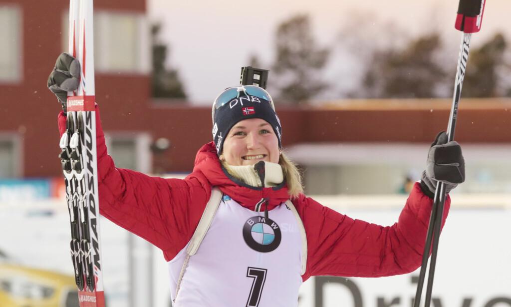NYTT GULL: Marte Olsbu søndag sitt tredje NM-gull under mesterskapet i Lillehammer. Bildet er fra verdenscuprennet i Østersund i fjor da hun tok bronse på 10 km jaktstart. Foto: Lise Åserud / NTB scanpix