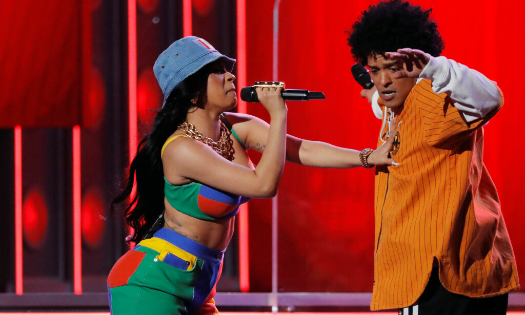 PROFILERT: Cardi B gjester Bruno Mars' «Finesse», og sammen opptrådte de under Grammy-utdelingen tidligere i år. Foto: NTB scanpix
