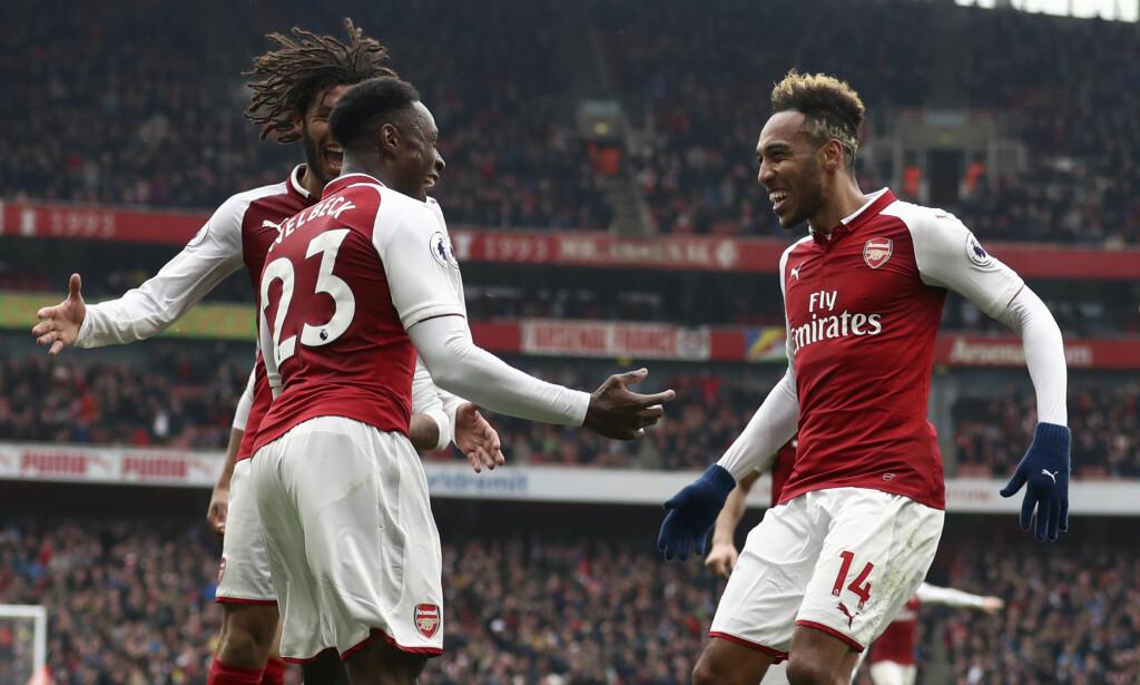 Danny Welbeck (t.v.) ble tungen på vektskålen for Arsenal. Også Pierre-Emerick Aubameyang (t.h.) tegnet seg på scoringslisten i søndagens kamp. Foto: Tim Goode/PA via AP/NTB scanpix