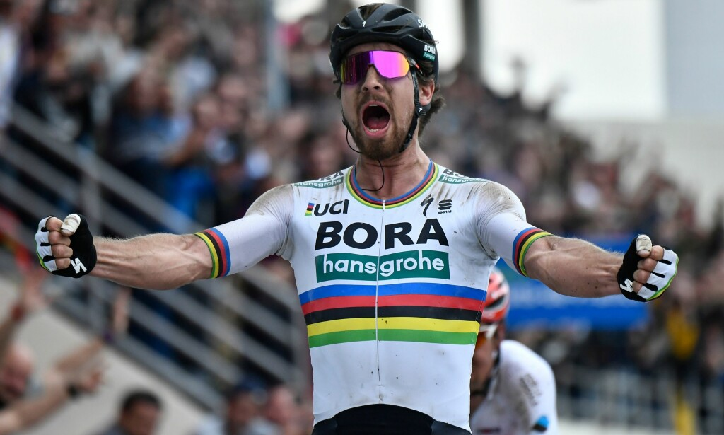 SEIRET: Peter Sagan vant endelig Paris-Roubaix. AFP PHOTO / JEFF PACHOUD