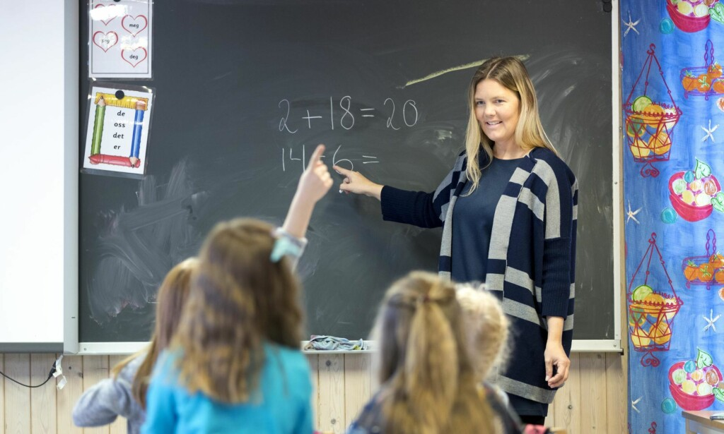 STILLESITTENDE: 6-åringen møter en skole overfylt av «læringstrykk» og mål, kartlegginger, og stadig lengre undervisningsøkter. Lek og aktivitet må vike for stillesittende formell læring, skriver artikkelforfatteren. <cutline_name>Foto: Gorm Kallestad / NTB scanpix </cutline_name>