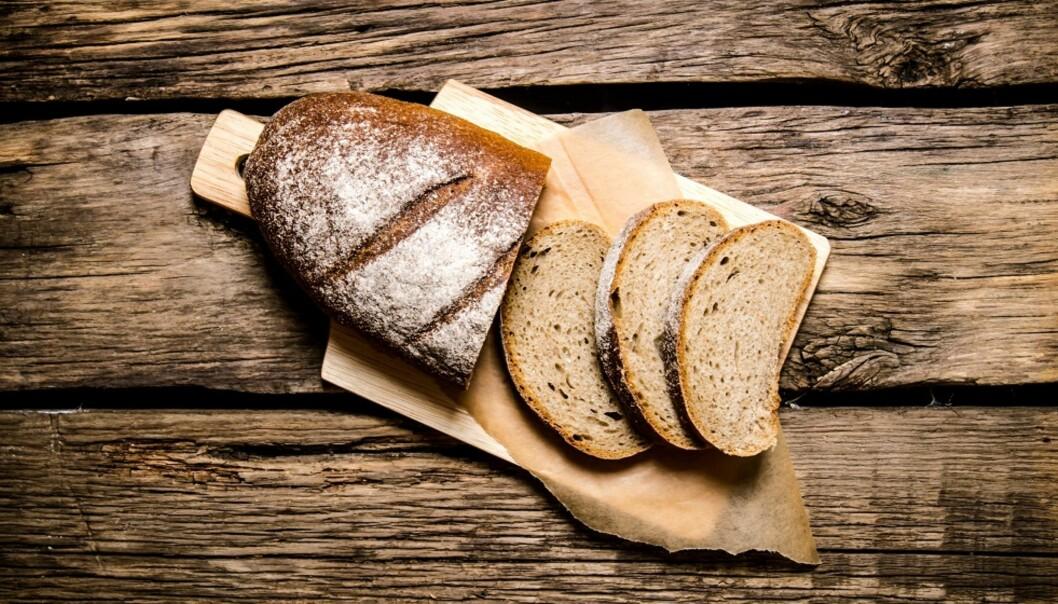 KNEKKEBRØD VS BRØD: Ifølge ekspertene inneholder brød og knekkebrød som oftest det samme. FOTO: NTB Scanpix