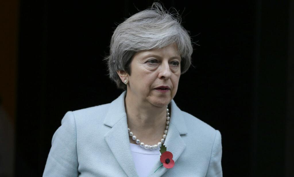 IKKE BEDT: Kongehusekspert Stavseng mener det er oppsiktsvekkende at Theresa May ikke får delta i bryllupet den 19. mai. FOTO: NTB scanpix