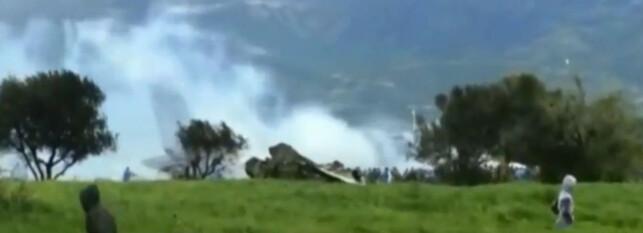 «INGEN OVERLEVENDE»: En militærkilde sier til Al Arabiya at ingen av de som var om bord overlevde ulykken. Dette er ikke bekreftet fra offisielt hold. Skjermdump fra video: NTB Scanpix