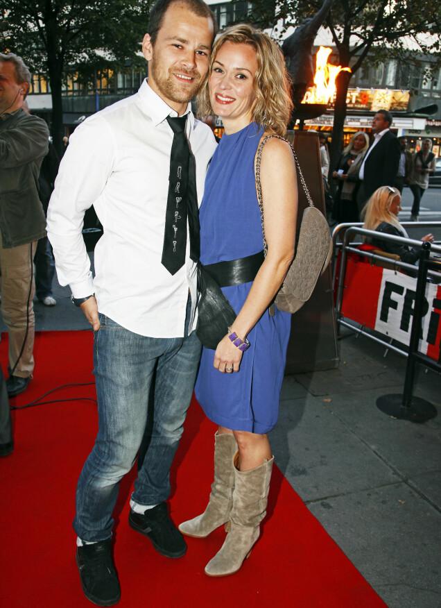 <strong>TOK SLUTT:</strong> Sammen med skuespiller Torgeir Reiten har Line datteren Helle. Her er eks-paret fotografert på rød løper i 2009. Foto: Tore Skaar/ Se og Hør