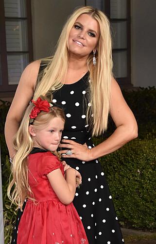 2017: Jessica Simpson med datteren på rød løper i fjor høst. Foto: NTB Scanpix