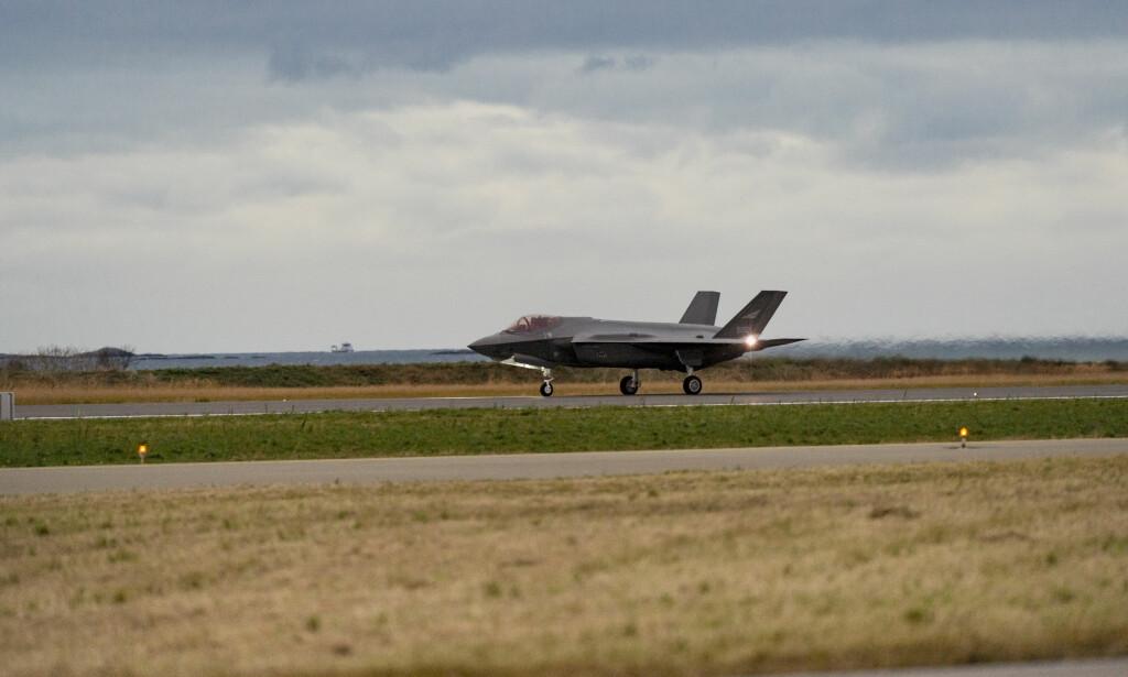 BESTILT: Norge har bestilt 52 F-35. Her fra da det første av dem landet på Ørland hovedflystasjon i november i fjor. Foto: Ned Alley / NTB scanpix.