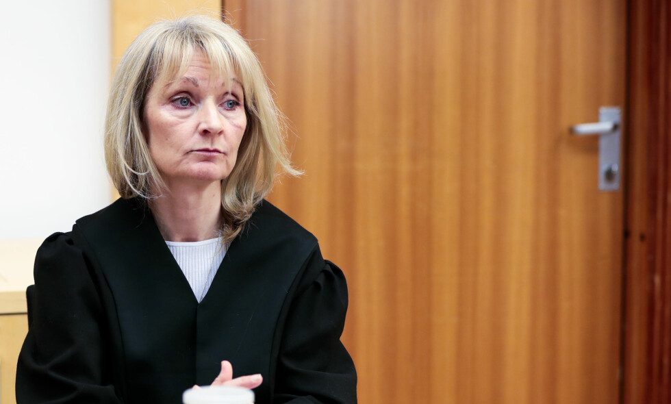 ETT ÅR OG TI MÅNEDER: Aktor Hilde Hermanrud Strand la ned påtalemyndighetenes påstand om straff i saken med psykiateren med store mengder nedlastet overgrepsmateriale. Foto: Lise Åserud, NTB Scanpix.