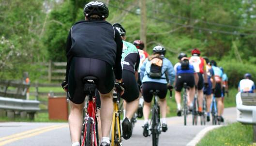Er det egentlig lov å sykle flere i bredden?