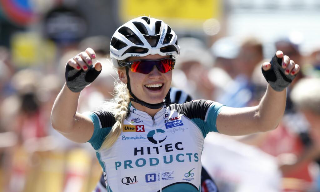 ET HØYDEPUNKT: Miriam Bjørnsrud syklet inn til NM-tittel på Lillehammer i 2015, men fant noen år senere ut at hun ikke kunne leve av sporten hun elsket. Under Amstel Gold Race dukker hun nå opp som sykkelekspert i sendingene hos TV 2 Sportskanalen. FOTO: Scanpix