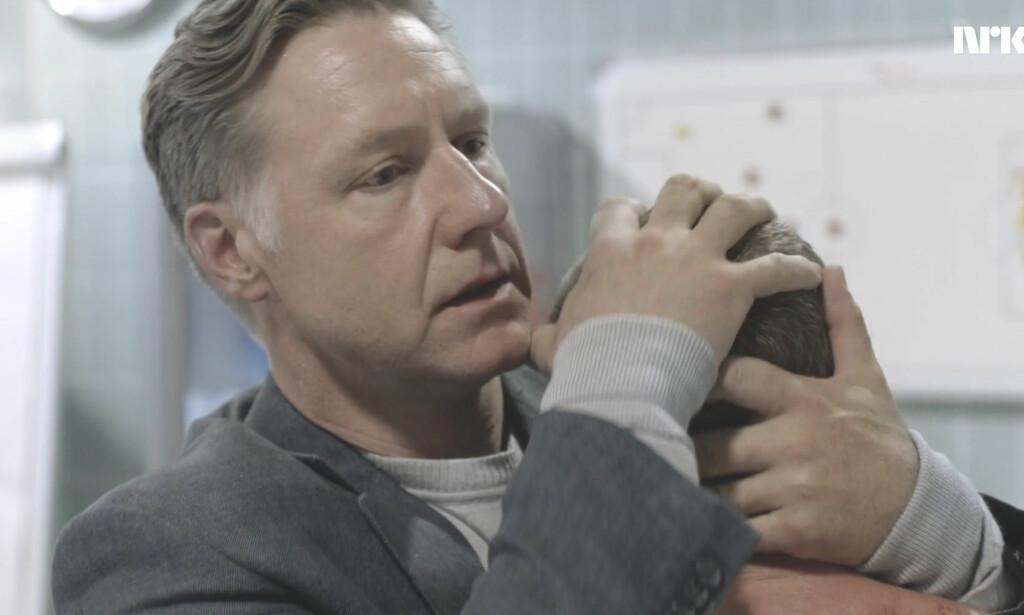 PAPPA OG ADRIAN: Endelig fikk vi vite hva som skjedde da Adrian skulle prøve seg i Ajax. Foto: NRK