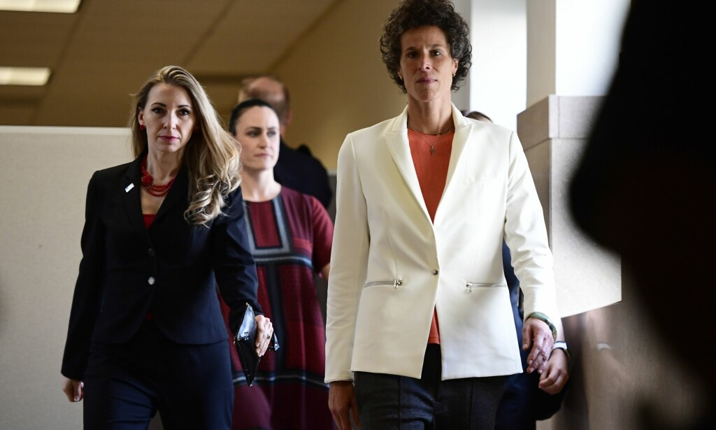 VITNET: Andrea Constand (t.h.) anklager Bill Cosby for seksuelle overgrep. Foto: AFP PHOTO / POOL / Corey Perrine