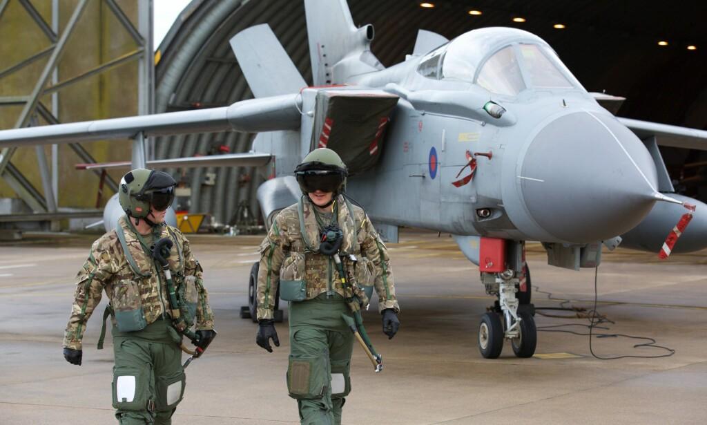 TORNADO: Fire britiske jagerfly av type Tornado GR4 skal ha blitt brukt til å bombe våpenlagre utenfor Homs. Foto: AFP / NTB Scanpix