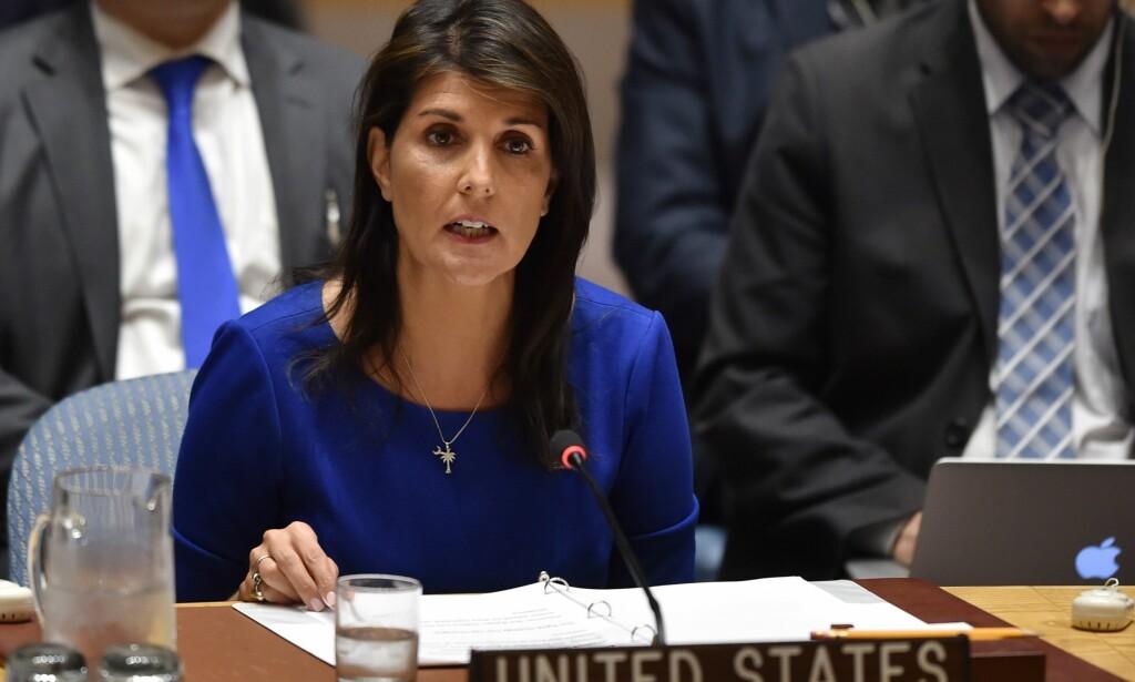 FORSVARTE ANGREPET: USAs FN-ambassadør Nikki Haley forsvarte luftangrepet, og sa det skjedde for å hindre grusomheter. Foto: Hector Retamal / AFP / NTB Scanpix
