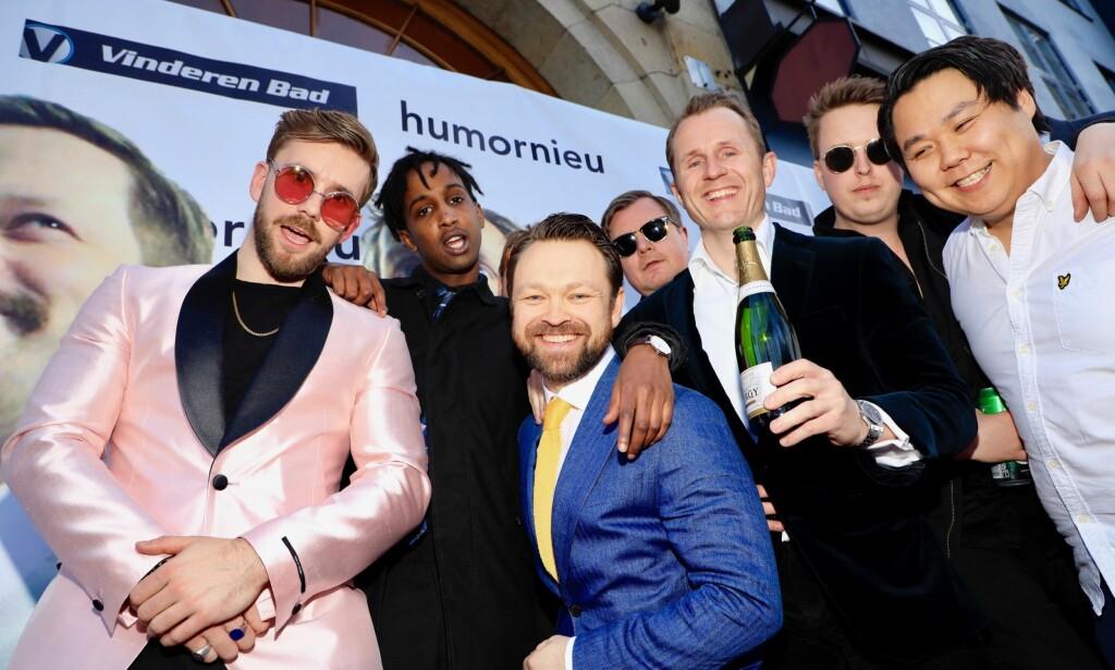 LIMO-GJENGEN: Stian Blipp hadde samlet så mange komikervenner han klarte, og ankom festen i limousin. Foto: Tor Lindseth / Se og Hør