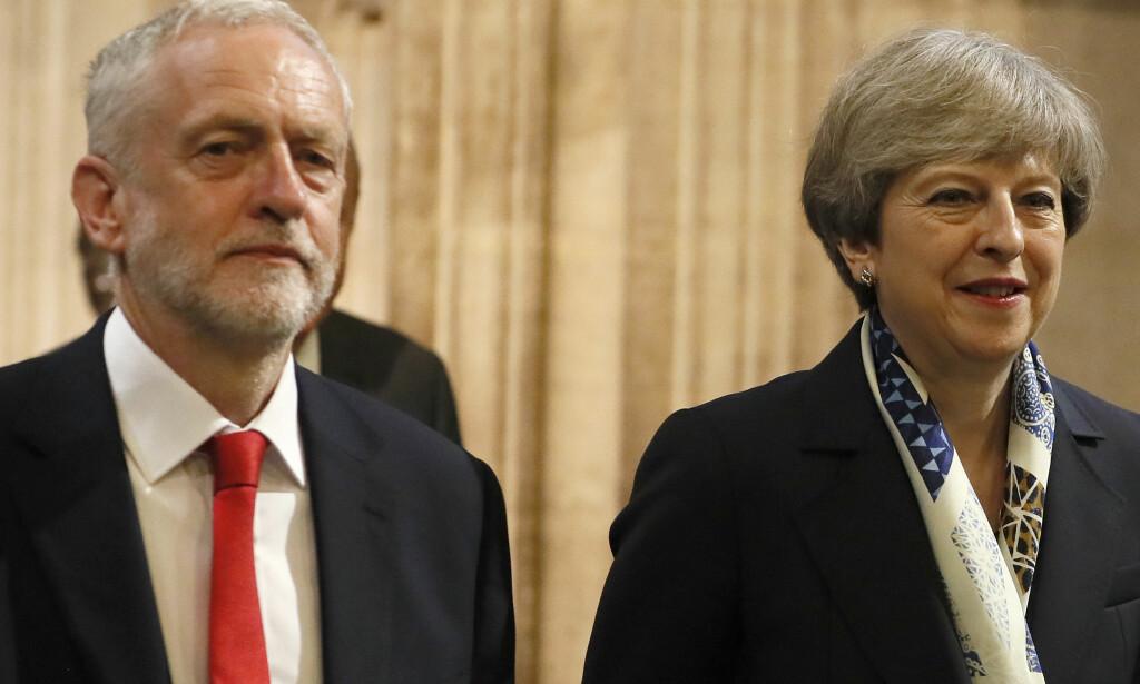 MOTPARTER: Jeremy Corbyn er sterk motstander av angrepet mot Syria, som ble godkjent av statsminister Theresa May. Foto: Kirsty Wigglesworth / AP / NTB Scanpix