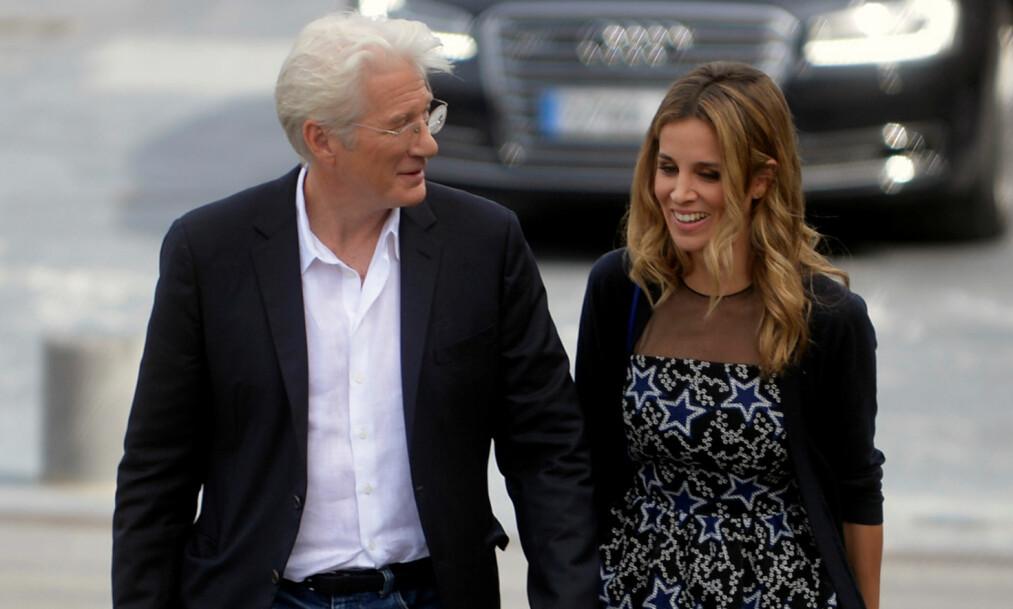 <strong>KJÆRLIGHETEN BLOMSTRER:</strong> Lykken smiler for skuespiller Richard Gere og Alejandra Silva. Nå svirrer ryktene om ekteskap. Foto: NTB scanpix