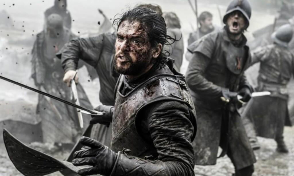 TIDLIGERE STØRST: Den tidligere scenen «Battle of the Bastards» var den lengste og største kampscenen i HBO-serien. Den tok skuespillerne 25 dager å spille inn. Nå ser det ut til at serien knuser den rekorden, med sine 55 angivelige dager. Foto: HBO