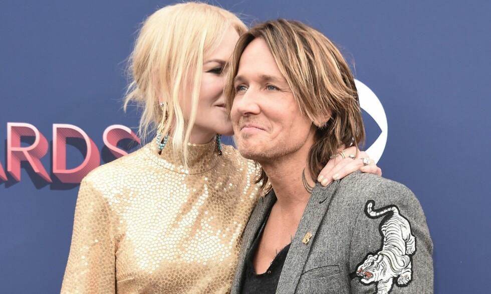"VISTE SEG SAMMEN: <span style=""font-family: inherit; background-color: inherit;"">Nicole Kidman og Keith Urban trosset bruddryktene og kom sammen på ACM Awards i Las Vegas søndag. Foto: Splash News/ NTB scanpix </span>"