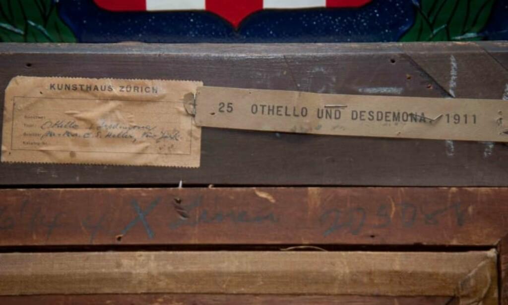 FUNN: På Baksiden kan man se at «Othello og Desdemona» blant annet har vært utstilt i Zürich. Foto: FBI