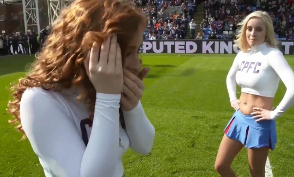 STERKT ØYEBLIKK: Cheerleader Gemma Keen trodde ikke sine egne øyne da hun snudde seg. Foto: Crystal Palace