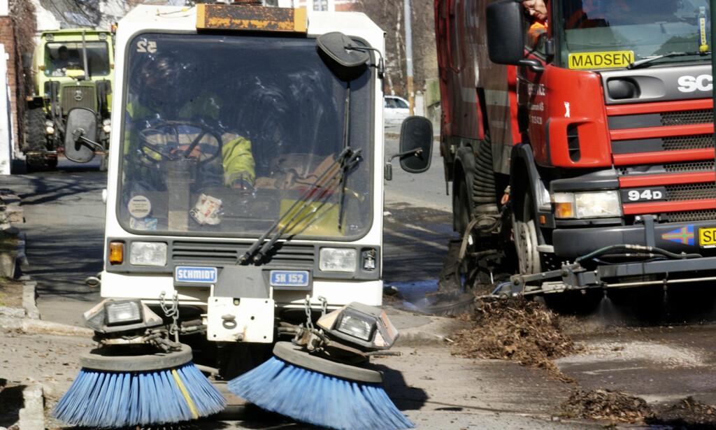 VÅRRENGJØRINGEN ER I GANG: Oslo kommune melder om at vårrengjøringen nå er i gang. Foto: NTB Scanpix