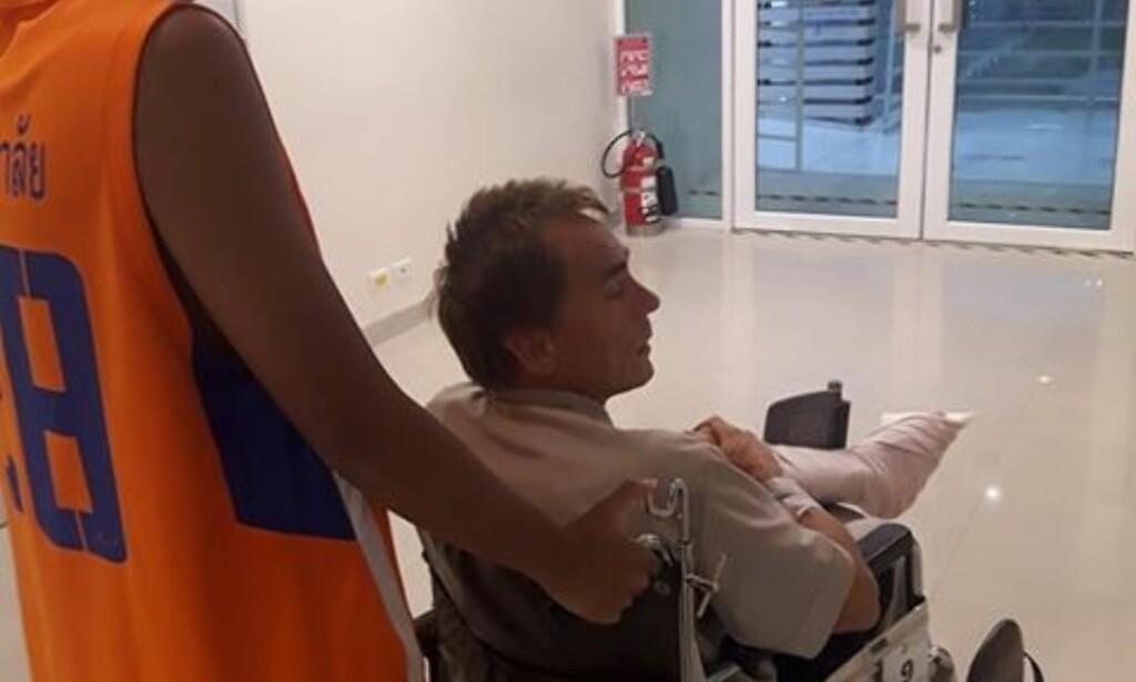 PÅ SYKEHUS: Werner Danielsen fra Møre og Romsdal er innlagt på sykehus i Thailand med alvorlige skader etter et mulig haiangrep. Foto: Amonrat Phaengnga / NTB scanpix