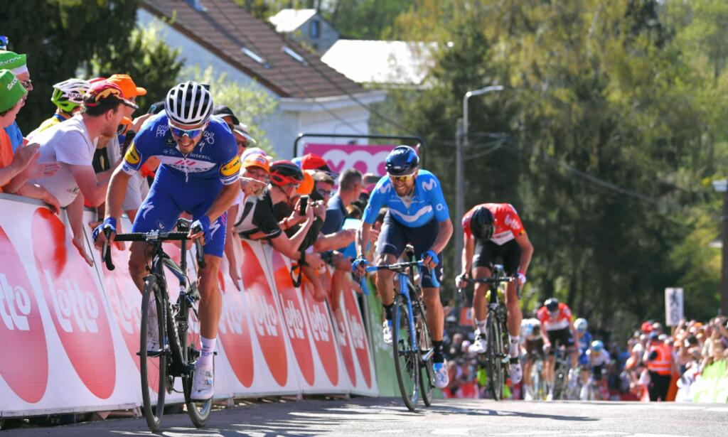 <b>DISTANSERTE VALVERDE:</b> Julian Alaphilippe åpner opp den avgjørende luken til regjerende vinner, Alejandro Valverde, mot slutten av Mur de Huy. FOTO: Tim de Waele (TDWSport.com)