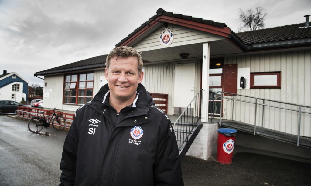 TØFF NØTT: Steffen Iversen er hovedtrener for Trygg/Lade i Trondheim. I kveld er Rosenborg motstander i cupen.   Foto Hans Arne Vedlog