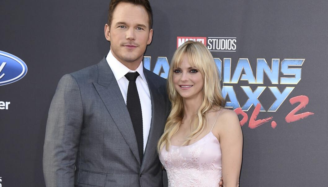 BRØT MED HVERANDRE: I åtte år var skuespillerparet Chris Pratt og Anna Faris gift før de gikk hver til sitt i fjor sommer. Foto: NTB Scanpix