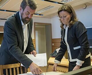 FORBEREDELSER: Frode Reppe og advokat Nina Sandnes før dag to av arbeidsrettssaken. Foto: Øistein Norum Monsen/Dagbladet