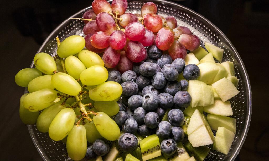 PLAST: Frukt- og grøntavdelingene til de største kjedene kommer i år til å fjerne minst 400 tonn plastemballasje. Foto: Gorm Kallestad / NTB scanpix