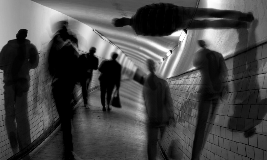 FORVIRRING, URO OG DESORIENTERING: Skade, sykdom eller abstinens kan medføre akutt delirium. Hallusinasjoner kan oppstå. Foto: NTB Scanpix / Shutterstock