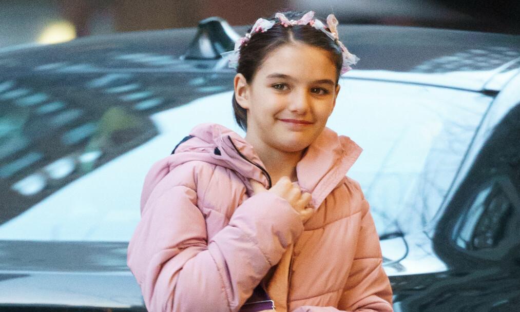 BURSDAG: Onsdag fylte Suri Cruise 12 år. I den anledningen arrangerte hennes berømte mor Katie Holmes en feiring på den store dagen. Foto: NTB Scanpix