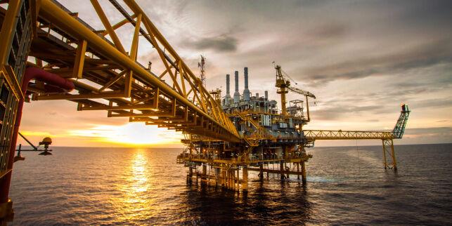 image: Sola skinner på oljenæringen, men selskapene har all grunn til å svette i solsteika
