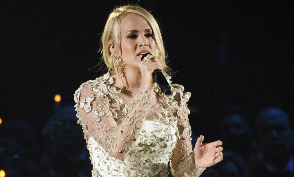 FORKLARER: Countrystjernen Carrie Underwood er en av verdens mest kjente i sin sjanger. I november ble hun stygt skadet i et fall, og tok en liten pause fra omverdenen som en konsekvens av dette. Nå snakker hun om skadene. Foto: NTB scanpix