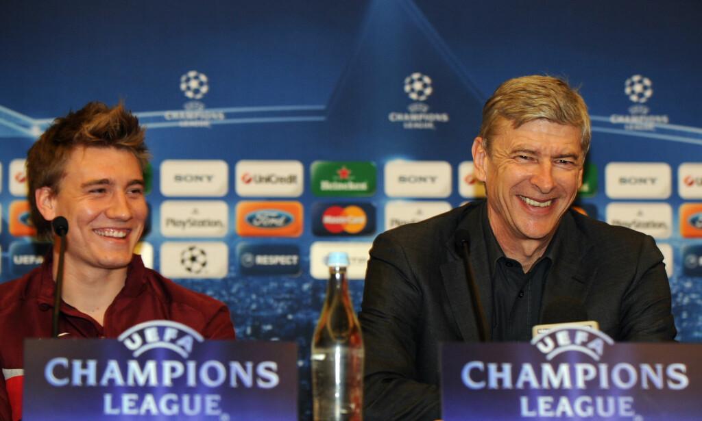GODT FORHOLD: Nicklas Bendtner hyller Arsene Wenger. Her på en pressekonferanse tilbake i 2010. Foto: AP Photo/Paulo Duarte