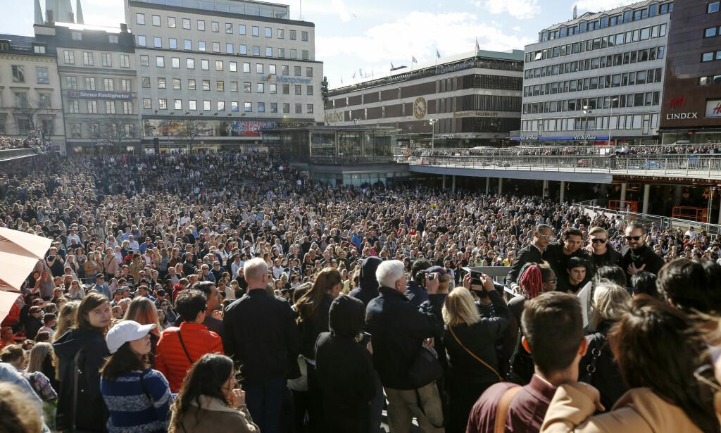 STINN BRAKKE: Slik så det ut på Sergels torg i ettermiddag. Foto: Fredrik Persson /TT / NTB Scanpix