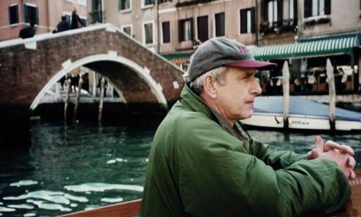 SPIONSJEF: Ola Kaldager hadde kallenavnet «Den grå» og var sjef for den tidligere spiongruppa E14. Her er han i Venezia på vei til et oppdrag på Balkan rundt årtusenskiftet. Foto: Privat