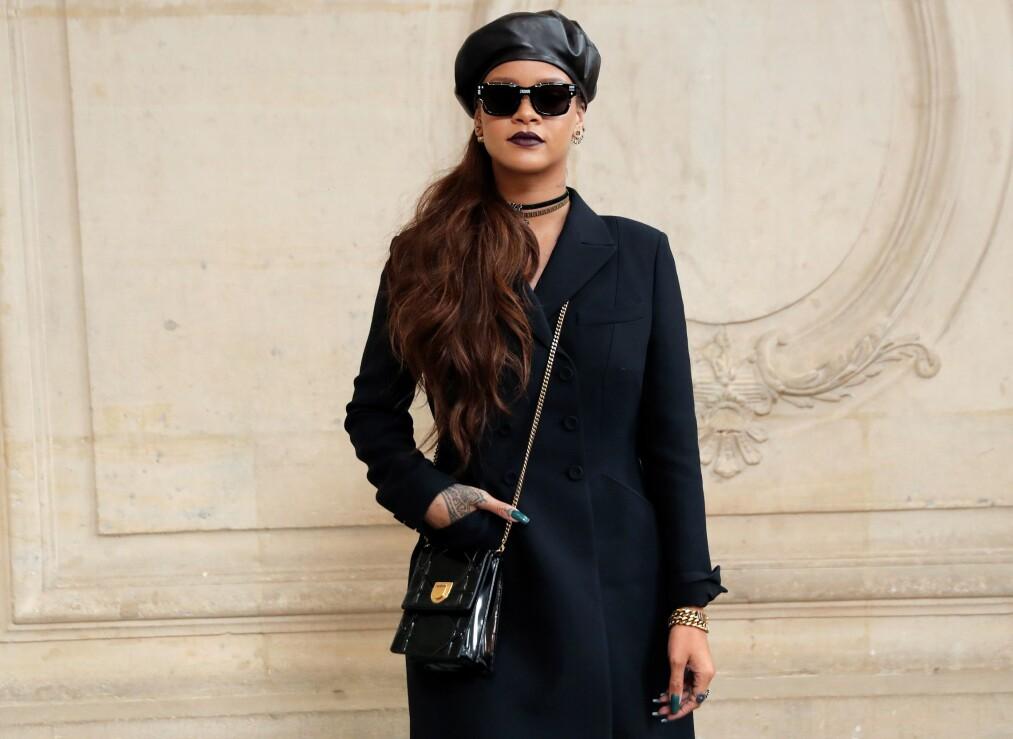 KOMMER MED UNDERTØY: Rihanna har allerede et eget sminkemerke og flere kleskolleksjoner, men nå lanserer hun også undertøy! FOTO: NTB Scanpix