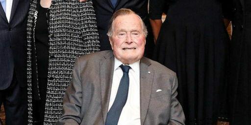 image: Bush senior innlagt på sykehus