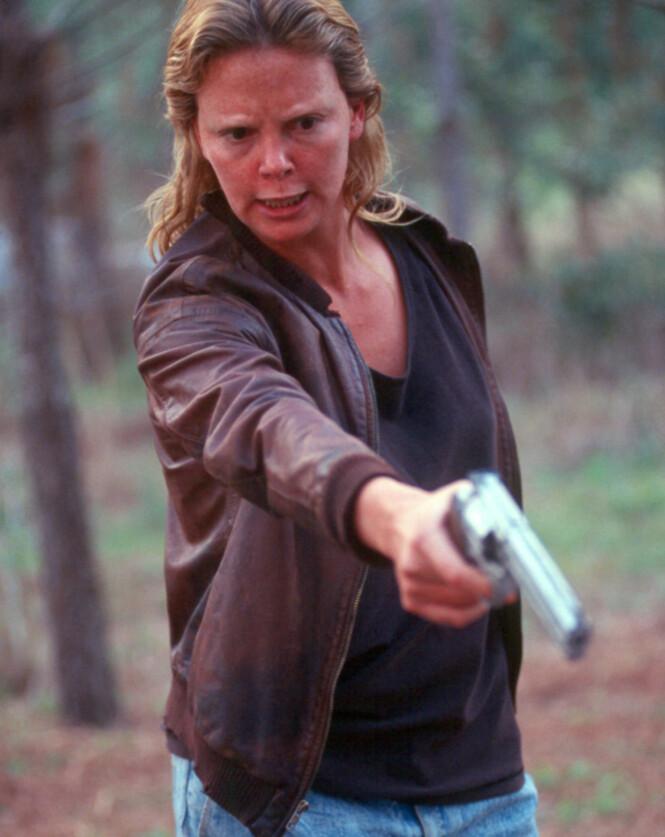 VANT OSCAR: I 2004 gikk Charlize opp mange kilo til rollen som seriemorderen Aileen Wuornos. Foto: Filmweb