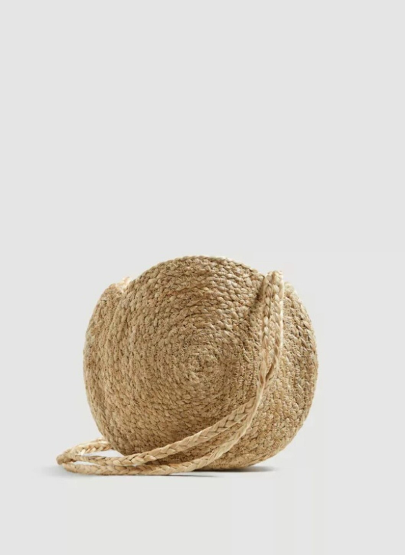 <strong>Veske fra Mango |269,-| https:</strong>//shop.mango.com/no/damer/vesker-skuldervesker/skulderveske-i-jutebomull_23027013.html?c=09&n=1&s=accesorios.accesorio;40,340,440