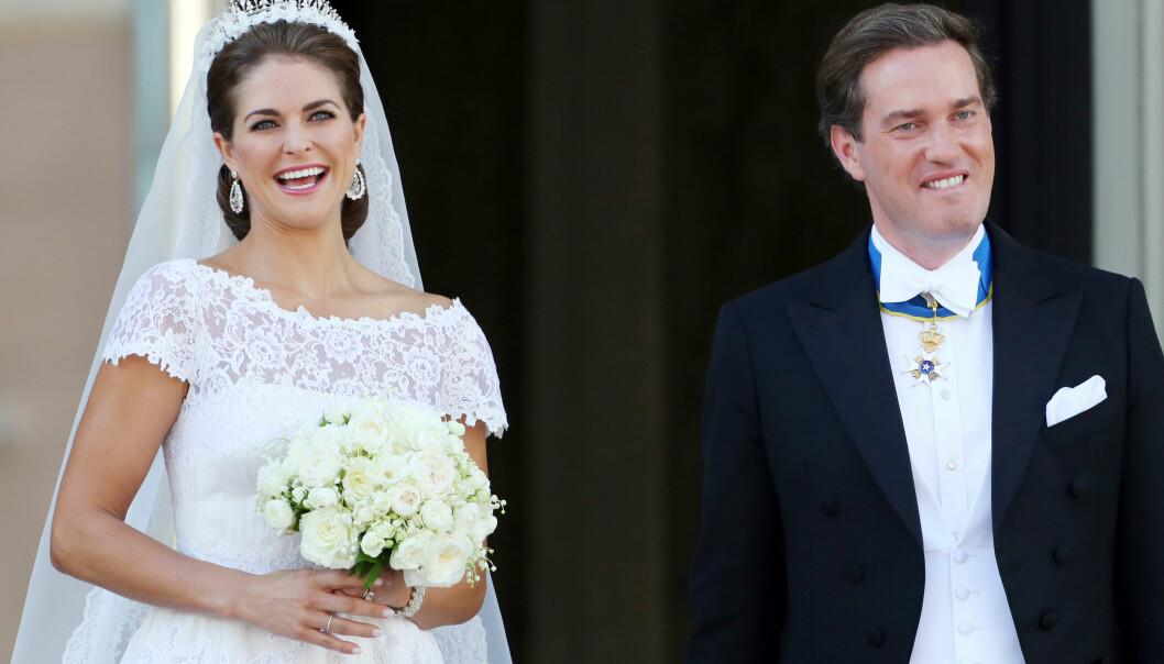 EKTEPAR: Prinsesse Madeleine giftet seg med den amerikanske forretningsmannen Chris O'Neill 8. juni 2013. FOTO: NTB Scanpix
