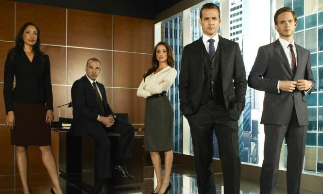 POPULÆR: Meghan Markle (midten) har spilt rollen som Rachel Zane i tv-serien «Suits» siden 2011. Foto: Frank Ockenfels / REX / Shutterstock/ NTB scanpix