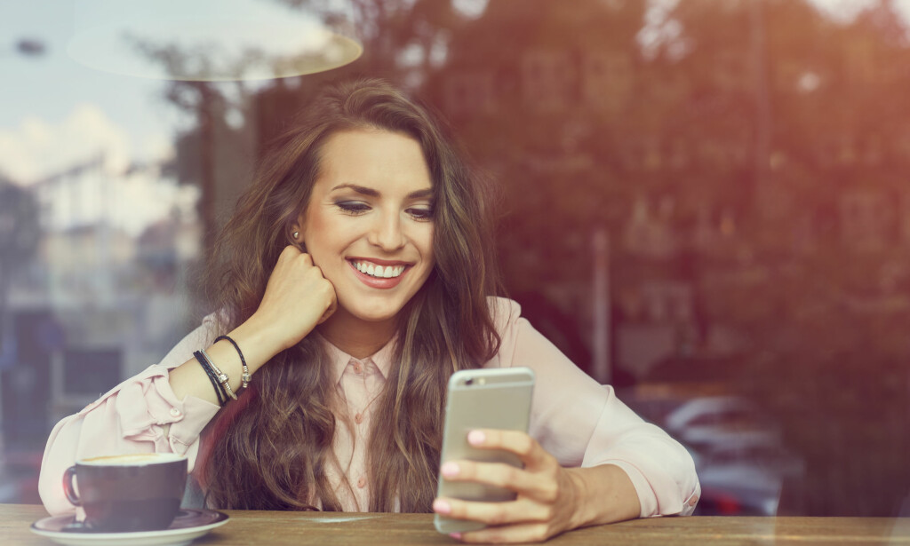 DATING: Det finnes noen strategier som er bedre enn andre når du dater via smarttelefonen. FOTO: NTB Scanpix