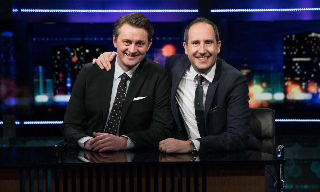 TAKKER FOR SEG: Thomas Numme og Harald Rønneberg slutter som programledere i «Senkveld» etter denne sesongen. FOTO: TV 2