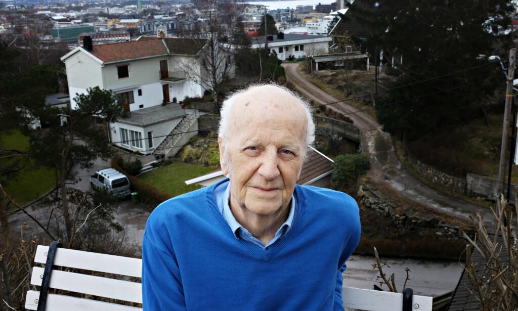 MARKANT: Øystein Lønn (82) er en av våre mest særegne forfattere. Han fikk Nordisk Råds Litteraturpris i 1996 for «Hva skal vi gjøre i dag og andre noveller». Foto: FREDRIK WANDRUP