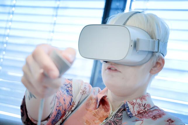 INGEN BRUKSGARANTI: Selv bruker vi ikke VR-brillene våre. Og du bør spørre deg selv om du kommer til å bruke dine; ellers risikerer du å bruke tusenlapper på en Oculus Go som støver ned i skuffen. Foto: Ole Petter Baugerød Stokke
